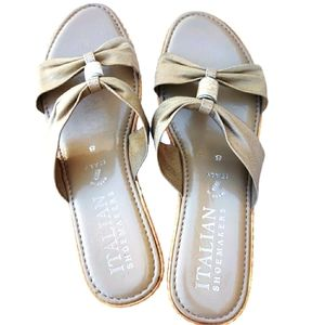 Italian Shoemakers Light Gold Tan Sandals 8